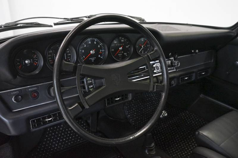 1972 Porsche 911s for sale dash