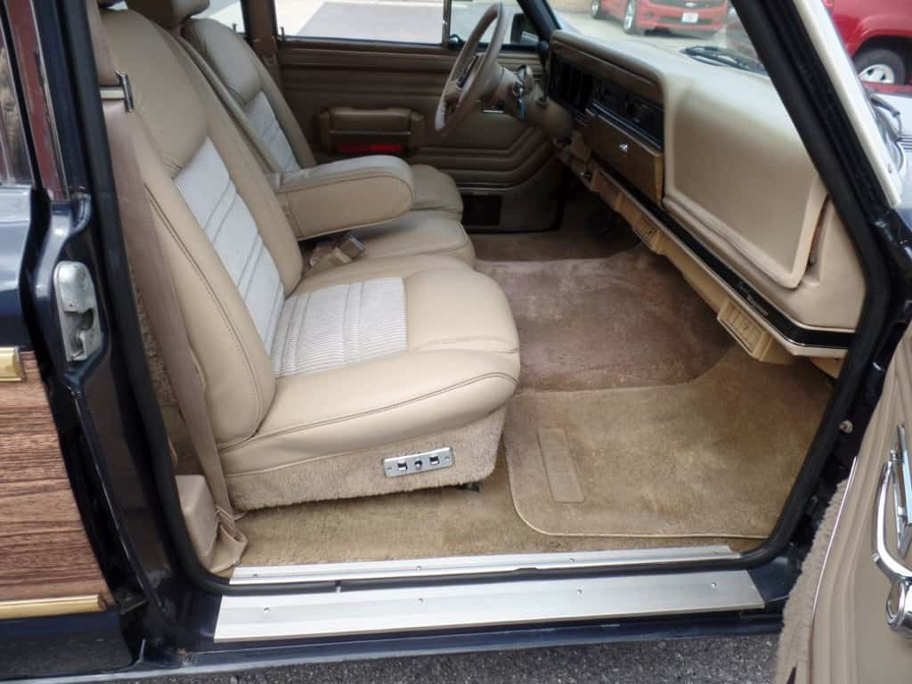 1991 Jeep grand wagoneer for sale 7